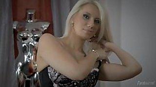 A minha mulher gosta dele no rabinho / my sexually sexually sexually sexually horny white black rod strumpets ...