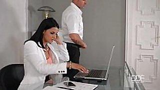 Office daydreamer bonks hot secretary in the arse