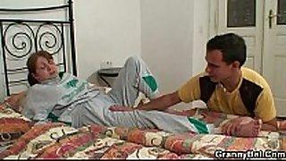 Injured grandma receives healed by juvenile dong