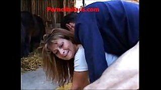Sesso anale a pecorina con troia matura - anal...