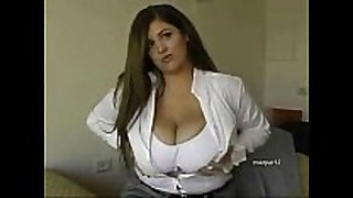 Huge breasted bbw feels sexually horny