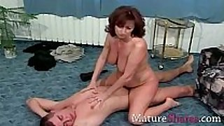 Natural curly aged gets long fuck