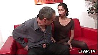 Casting porno d'indiana 23ans qui adore sucer d...
