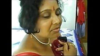 1. bulky aunty పూకు దెంగా