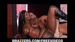 Curvy ebon masseuse oils herself up for some d...