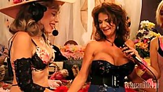 Milf squirts 27 times