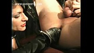 Mistress in black latex fist copulates fastened thrall w...
