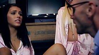 Missax.com - [daddy] it hurts ii (kissa sins, j...