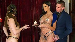 Gorgeous naked girl sucks and fucks Manuel's cock