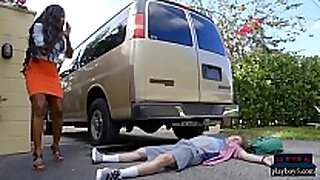 Huge love muffins black milf causes and solves an accident